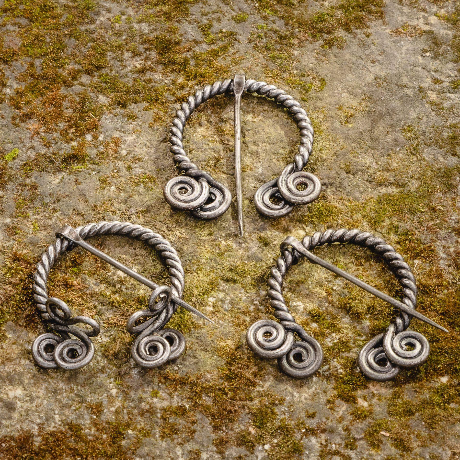 Twisted Metal Cloak Pin (var 2)