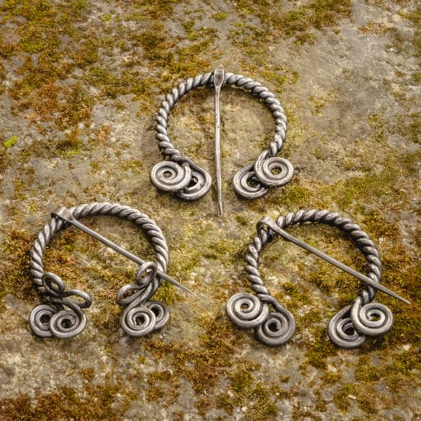 Twisted Metal Cloak Pin (var 2)