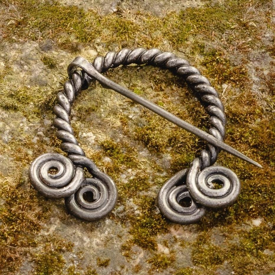 Braided Cloak Pin (Fibula) I