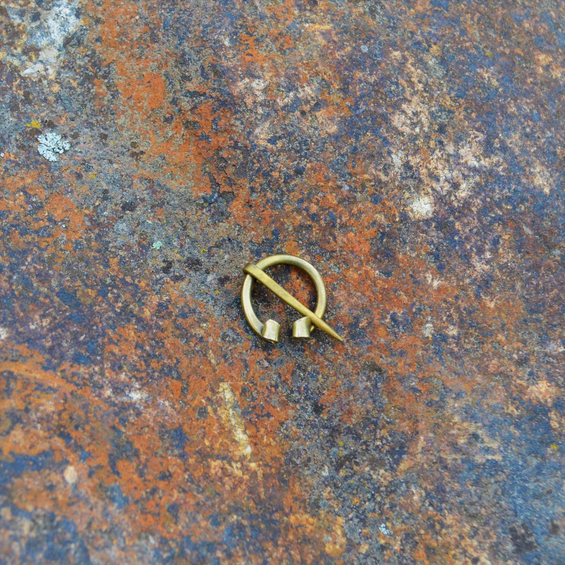 Pin (Fibula) – Mini – Brass II