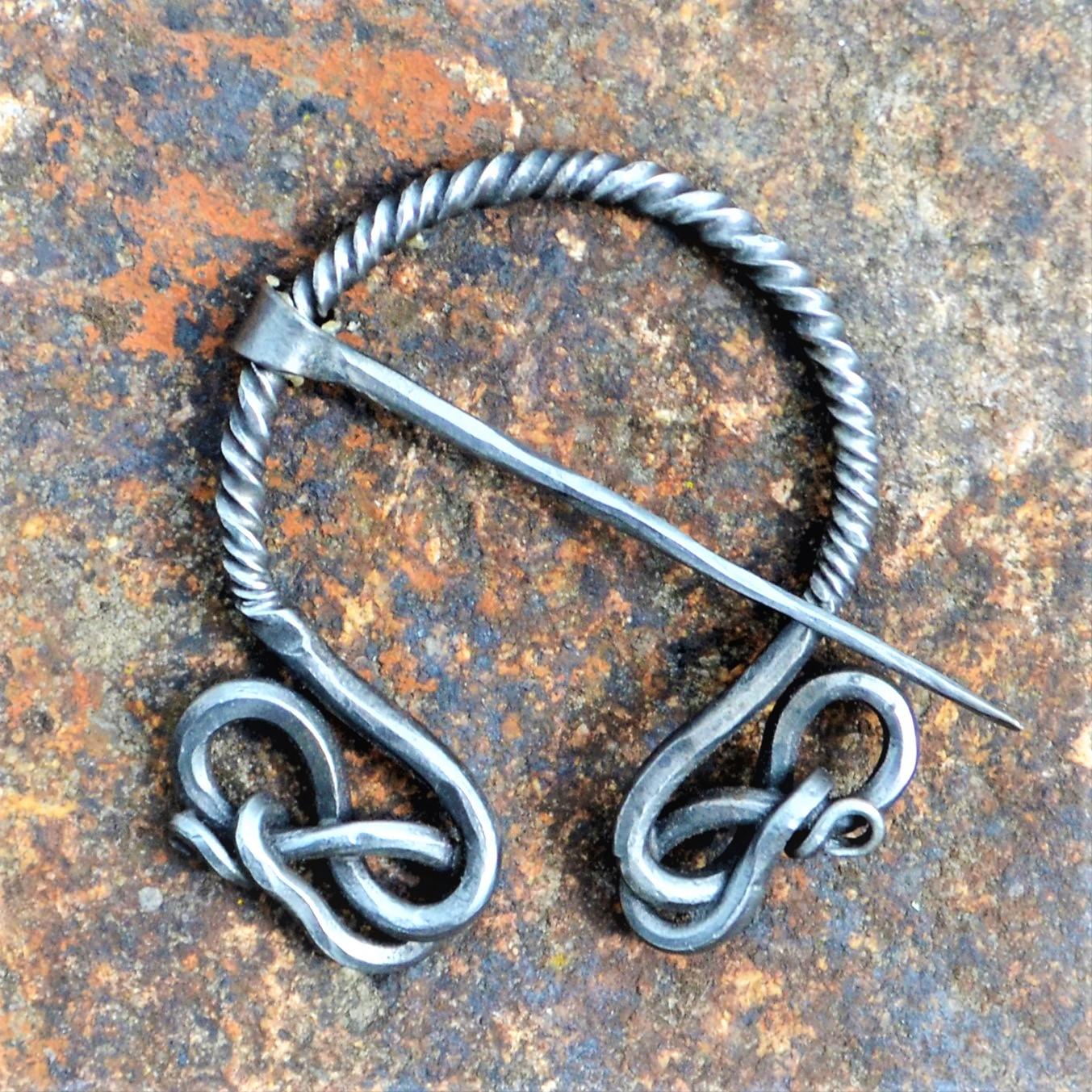 Cloak Pin (Fibula) – Knots II – Large