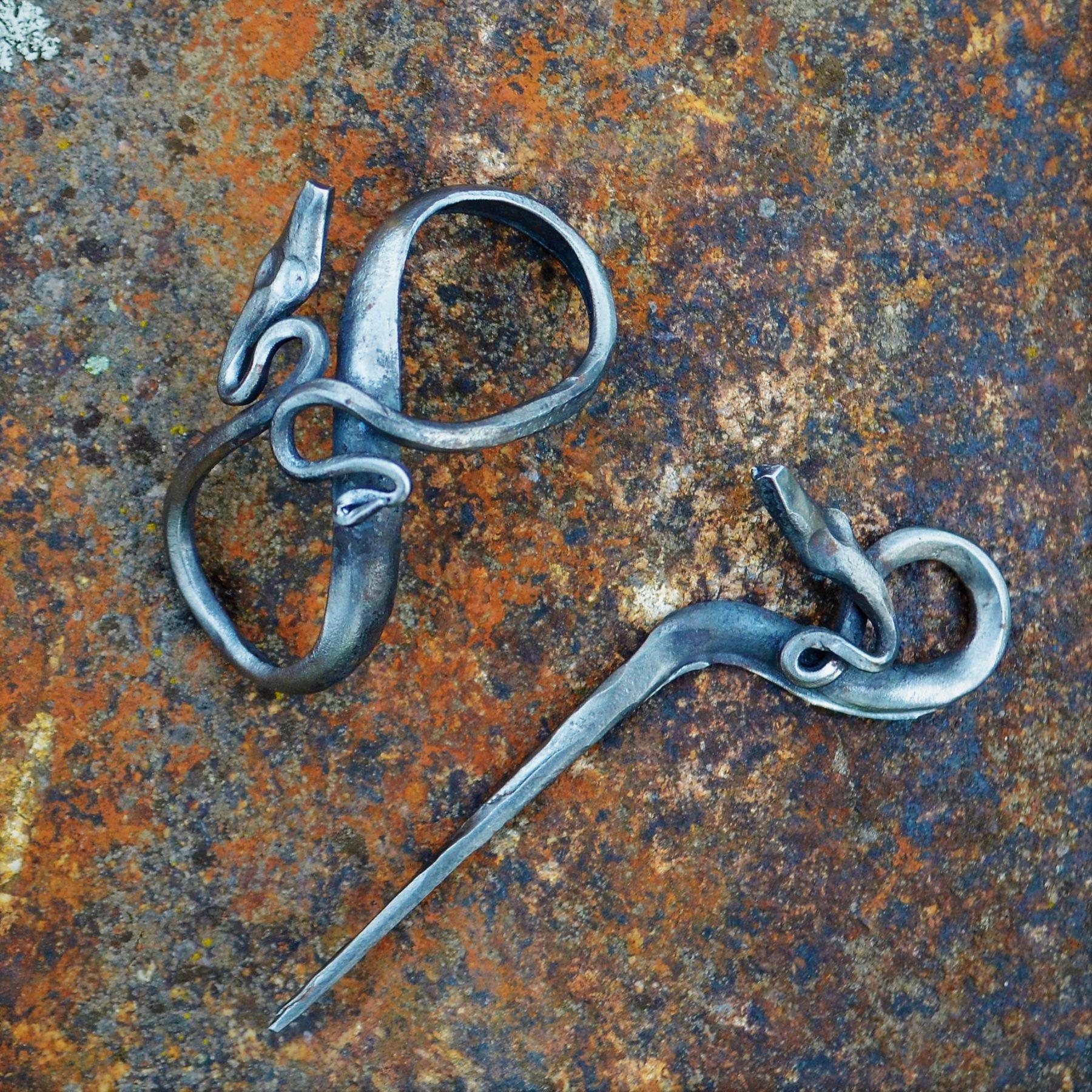 Steel Hair Pin III – Snakes