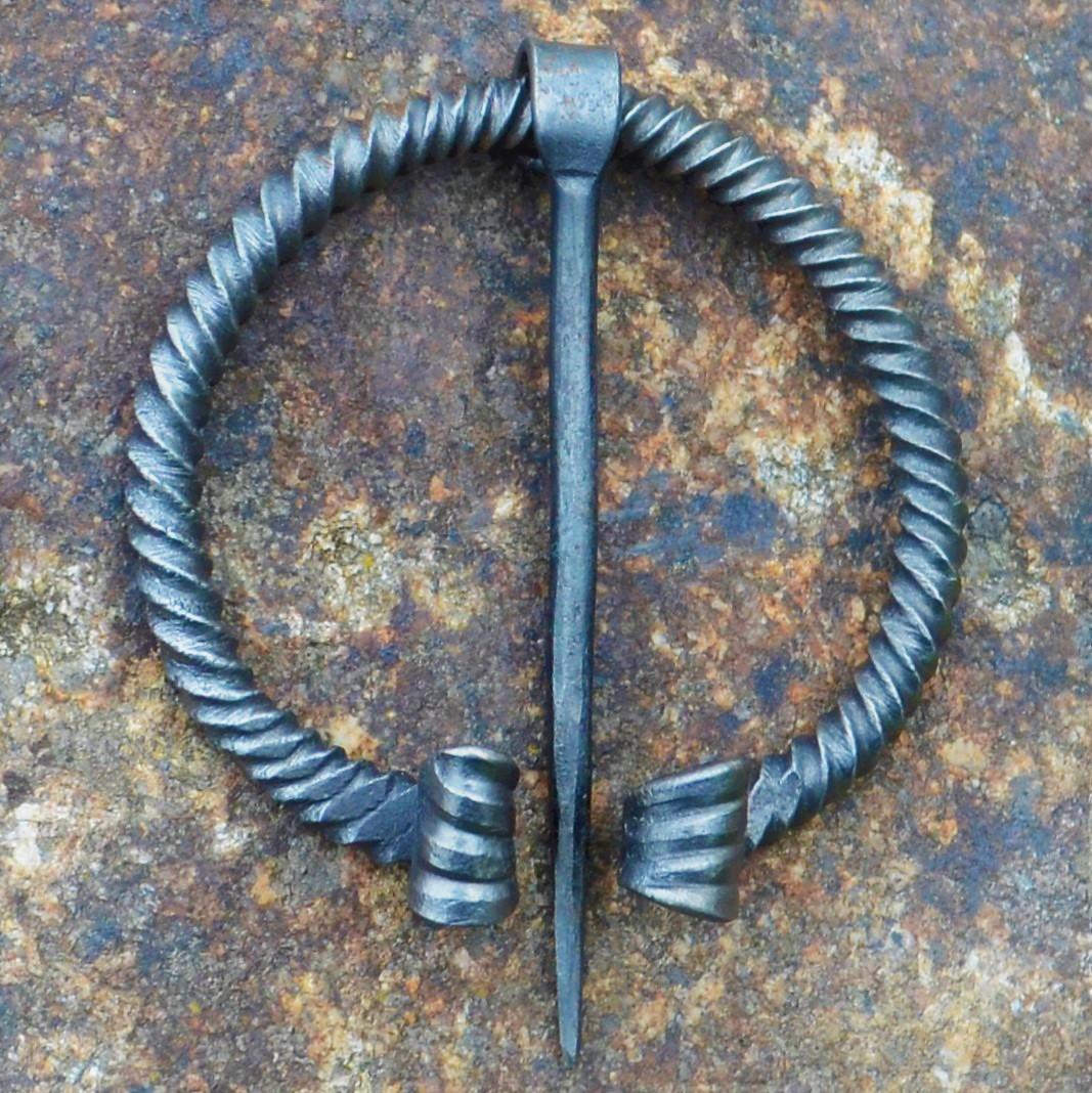 Cloak Pin (Fibula) – Viking VI – Twisted – Large