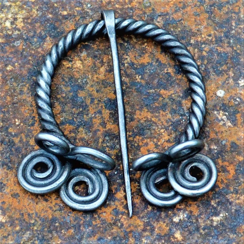 Cloak Pin (Fibula) – Braided II
