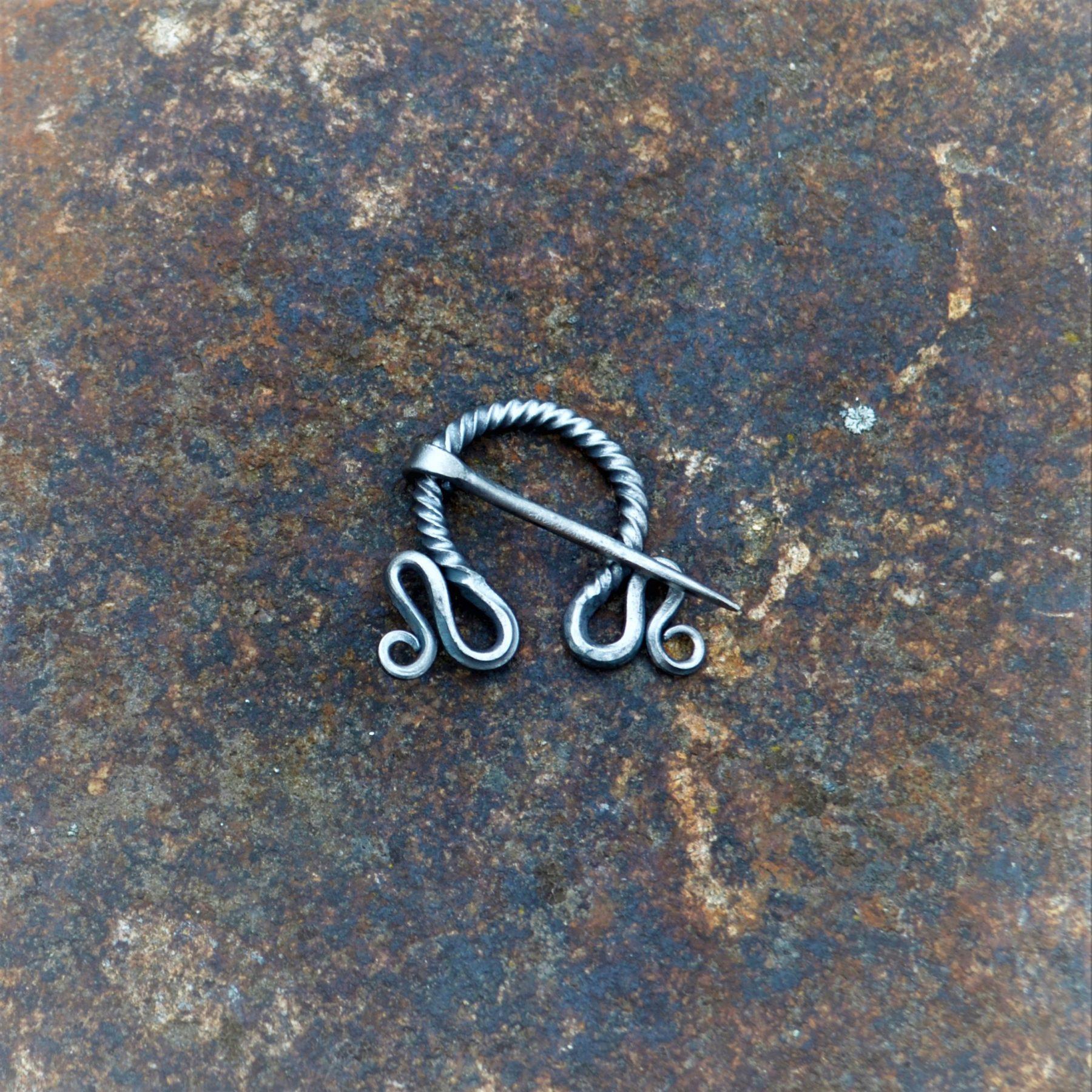 Cloak Pin (Fibula) –  Knots I – Small