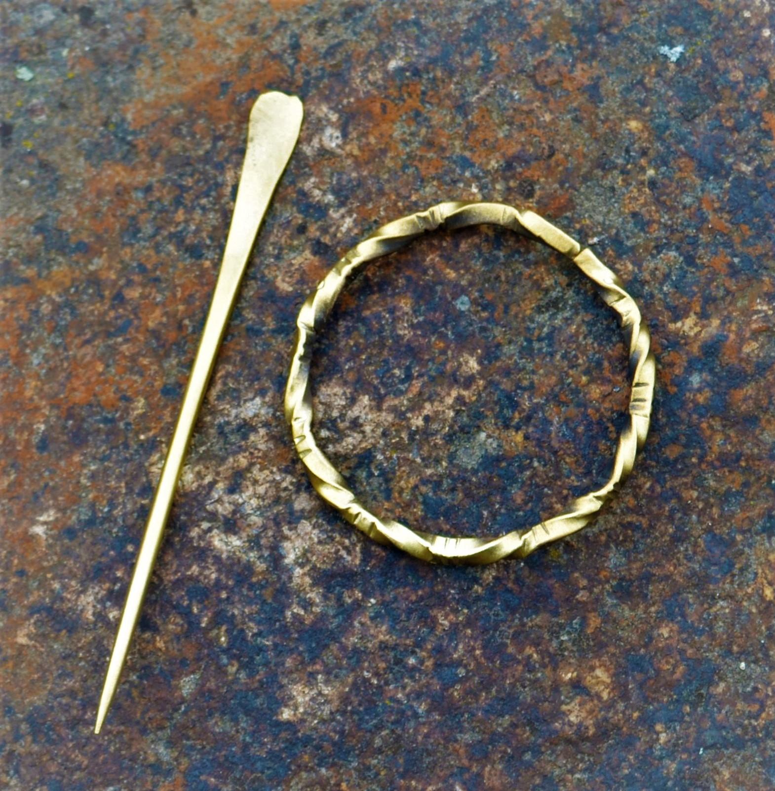 Cloak Pin (Fibula) – Medieval I – Brass